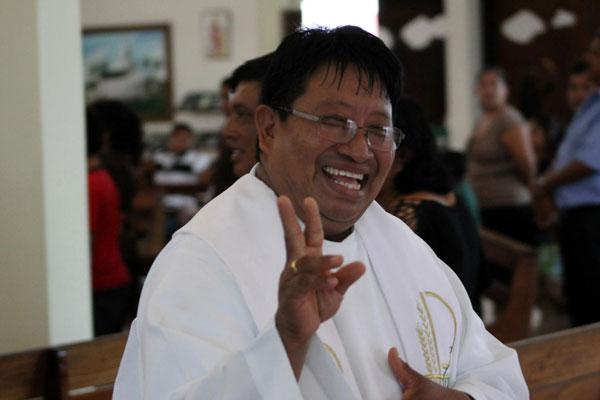 Fr.-Moises-Mesh