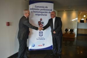 Dr. Obdulio Velásquez – Chancellor of Universidad de La Sabana and Fr. Albeyro Vanegas, CSV, –President of Colegio San Viator